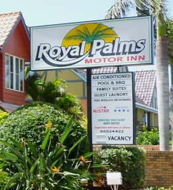 We welcome you at Royal Palms Motor Inn